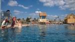 Tropical Islands nově nabízí i venkovní bazény a atrakce