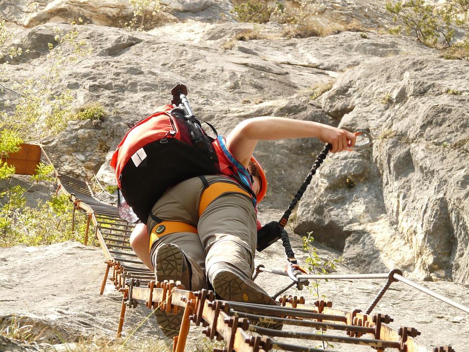 Sportovní vybavení pro ferratové lezení