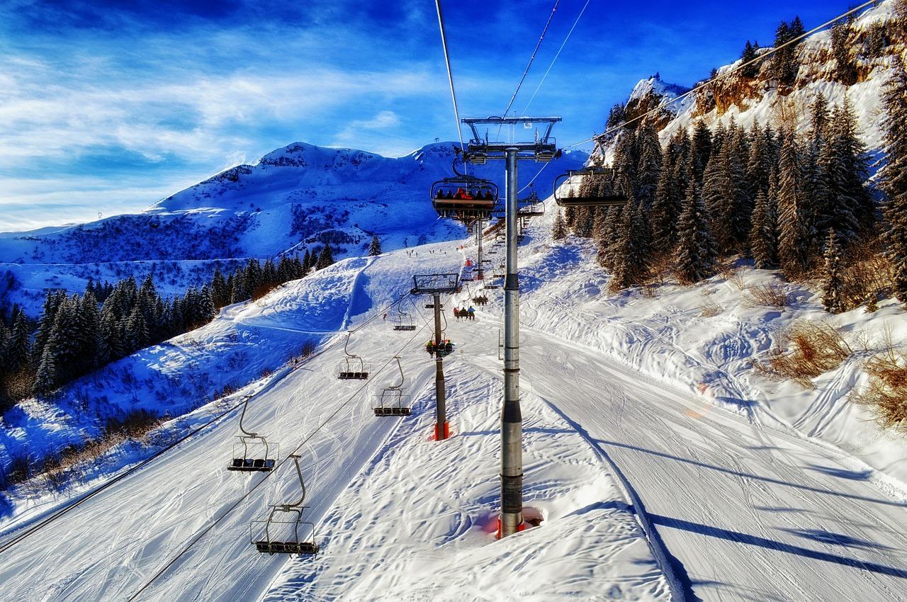 Proč vyrazit na lyže do Francie? Komfortní apartmány, parádní sjezdovky i dostatek sněhu!