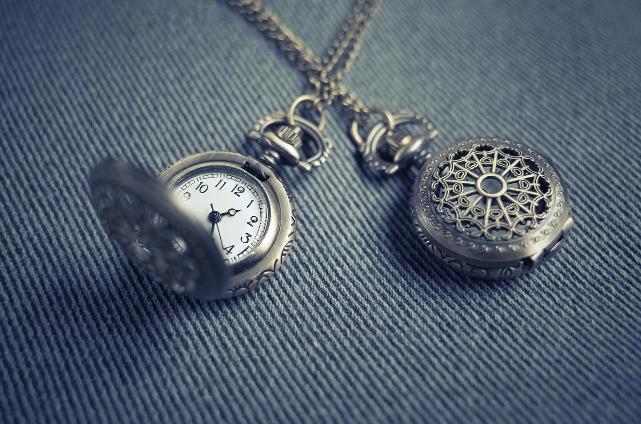 hodiny a klenoty